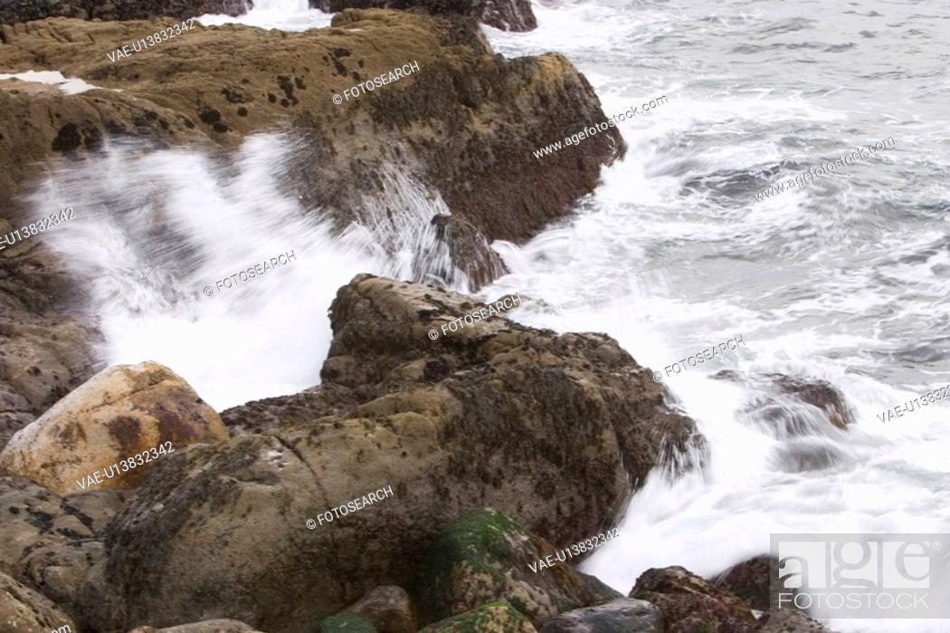 Stock Photo: rocks, stone, wave, sea, ocean, splash.