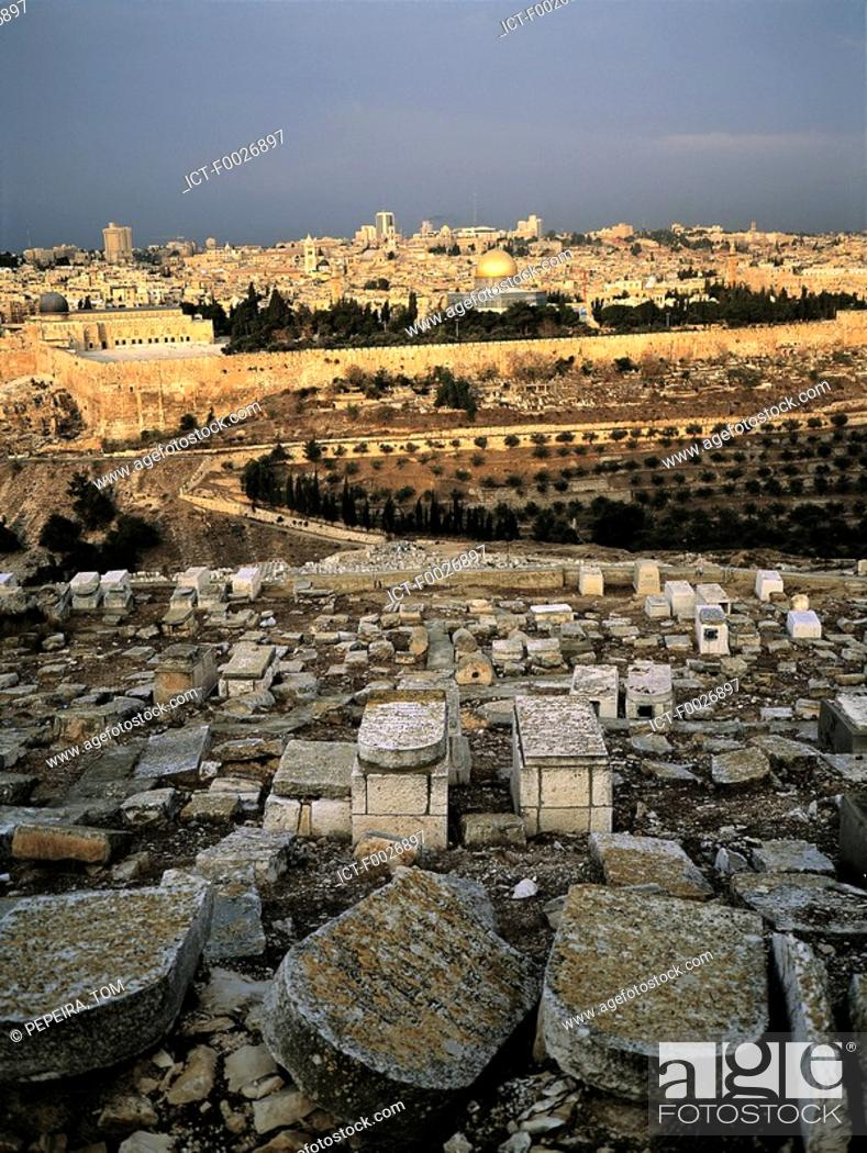 Stock Photo: Israel, Jerusalem, overview from Mount of Olives and jewish cemetery in the foreground.