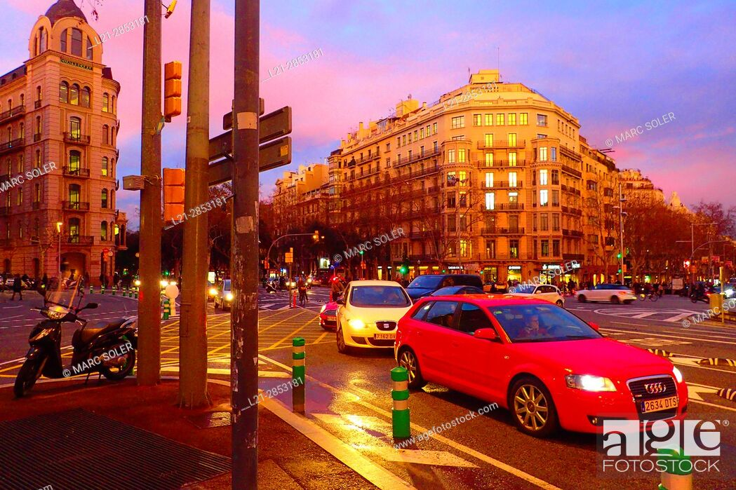 Stock Photo: Plaça Joan Carles I at dusk. Avinguda Diagonal, Passeig de Gràcia, Barcelona, Catalonia, Spain.