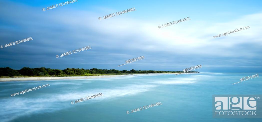 Imagen: Southwest gulf coast on the Gulf of Mexico in Venice Florida USA.