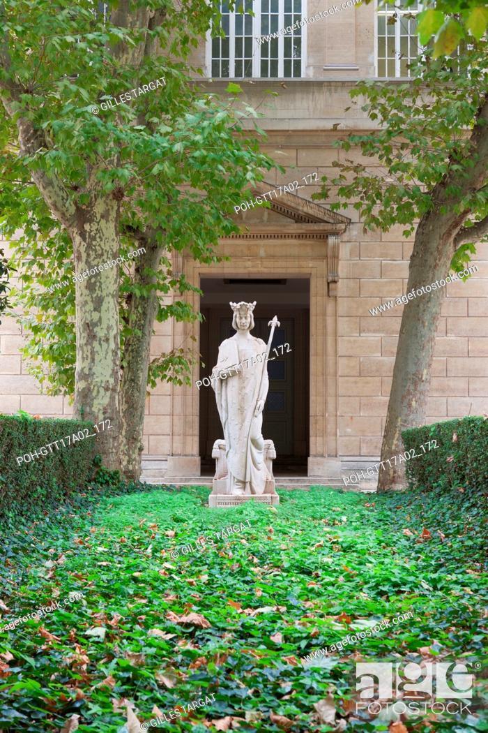 Stock Photo: Paris, boulevard Saint Michel, lycee saint louis, court of honour and statue of saint louis, Photo Gilles Targat.
