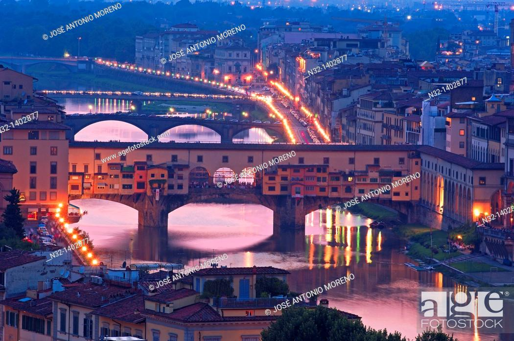 Stock Photo: Ponte Vecchio over Arno river at dusk, Florence, Tuscany, Italy.
