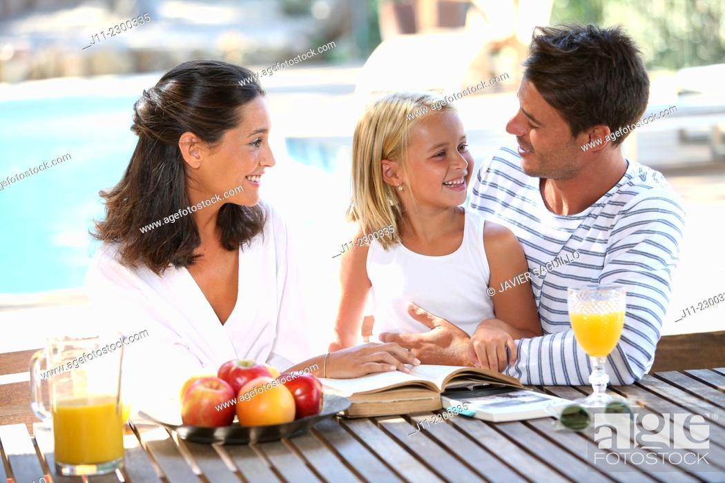 Stock Photo: Family, breakfast.