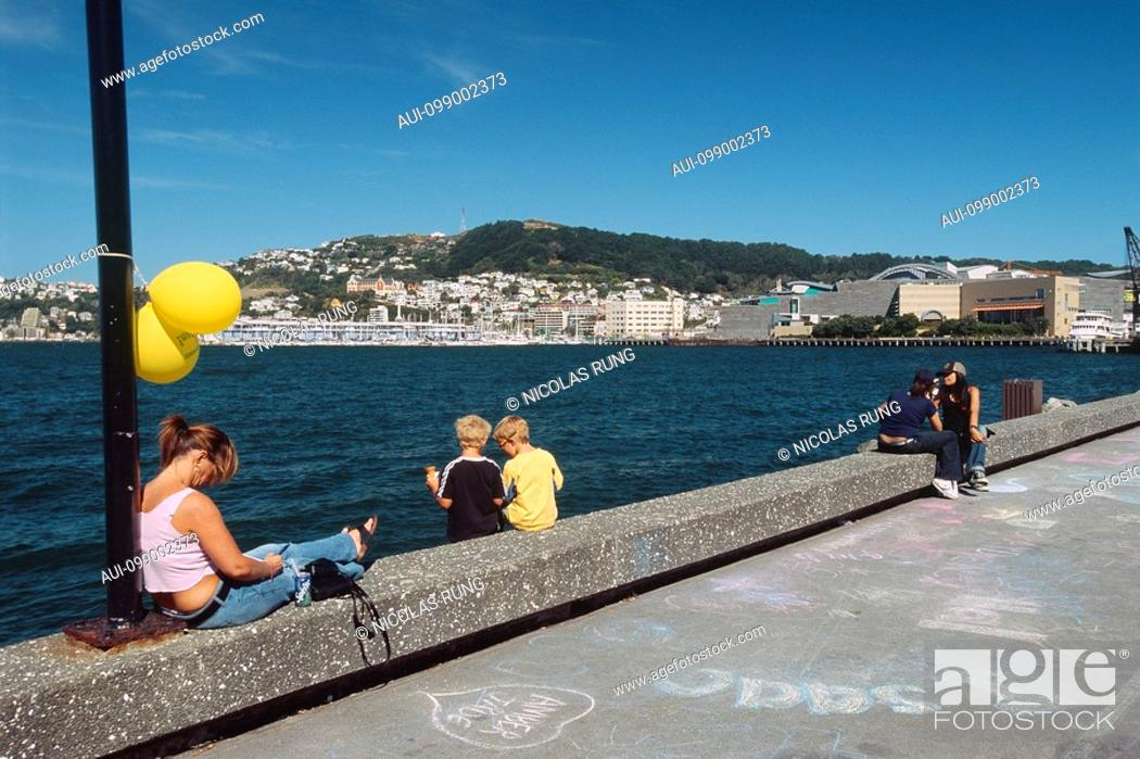 Stock Photo: New Zealand - North Island - Wellington-Jervois Quay - Mt Victoria in the background.