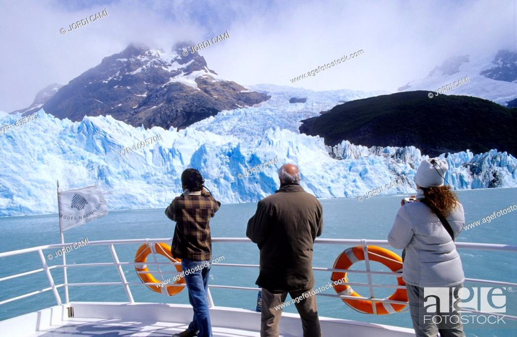 Stock Photo: Tourists on a boat at the Upsala Glacier , Lago Argentino, Parque Nacional Los Glaciares, Patagonia, Argentina.