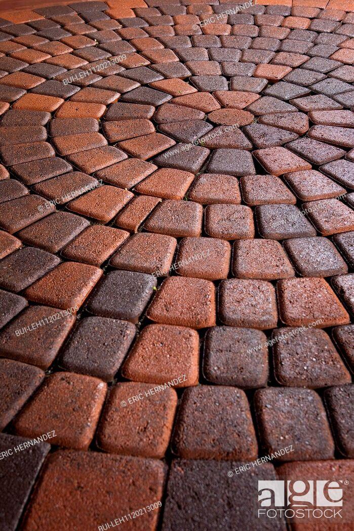 Imagen: Detail shot of a brick ground; Laguna Niguel; California; USA.