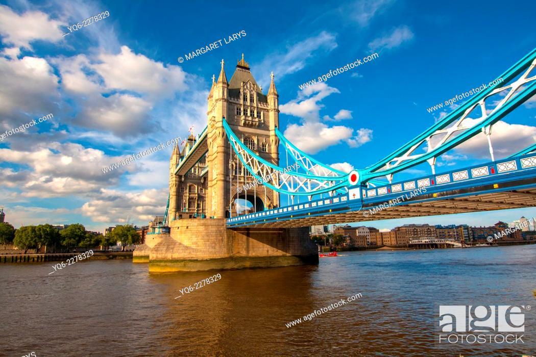 Stock Photo: Tower Bridge, London, UK.