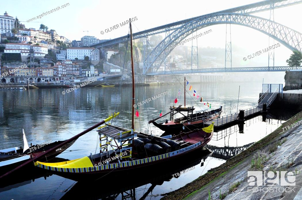 Imagen: Rabelos are traditional boats that were traditionally used to carry the barrels of port wine from the vineyards to Vila Nova de Gaia, Porto.