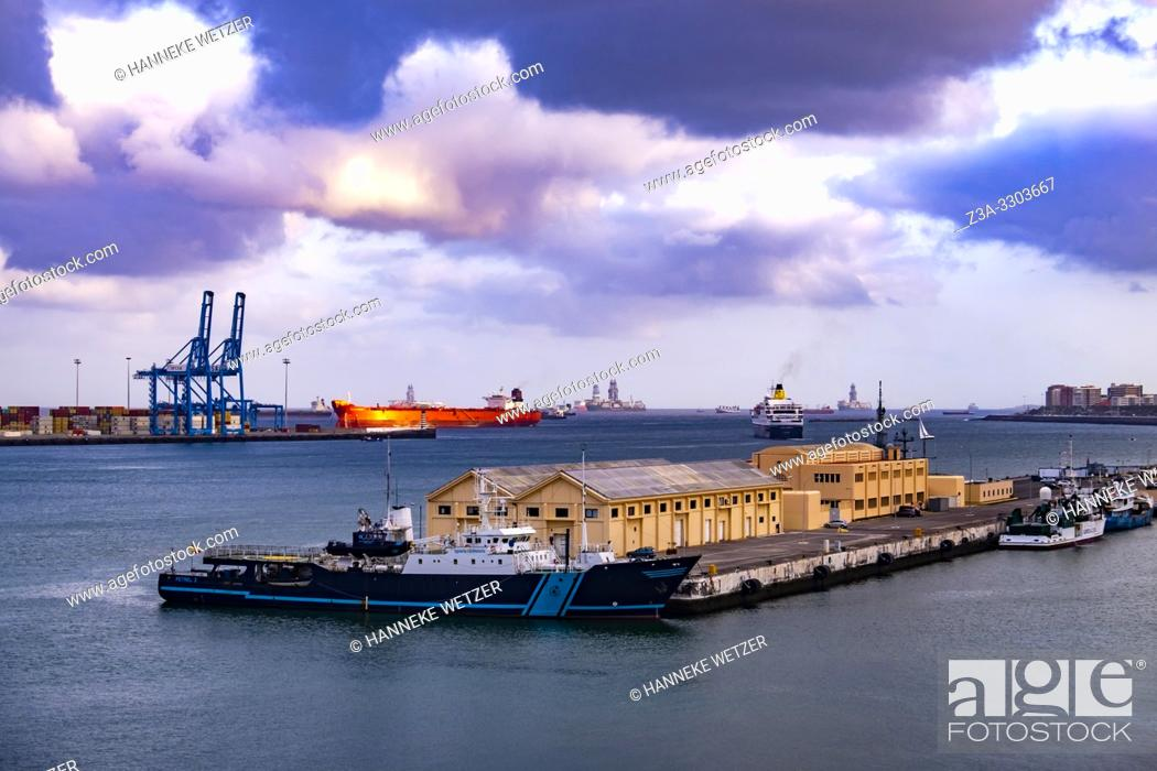 Stock Photo: Sunset at the port of Las Palmas, Gran Canaria, Canary Islands.