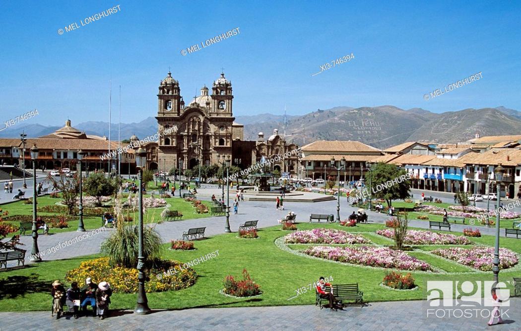 Stock Photo: Looking across Plaza de Armas to Iglesia La Compania de Jesus, Cusco, Peru.