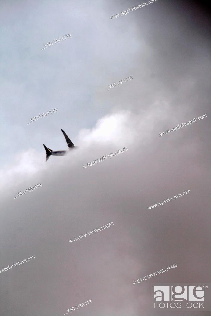 Stock Photo: plane in sky.