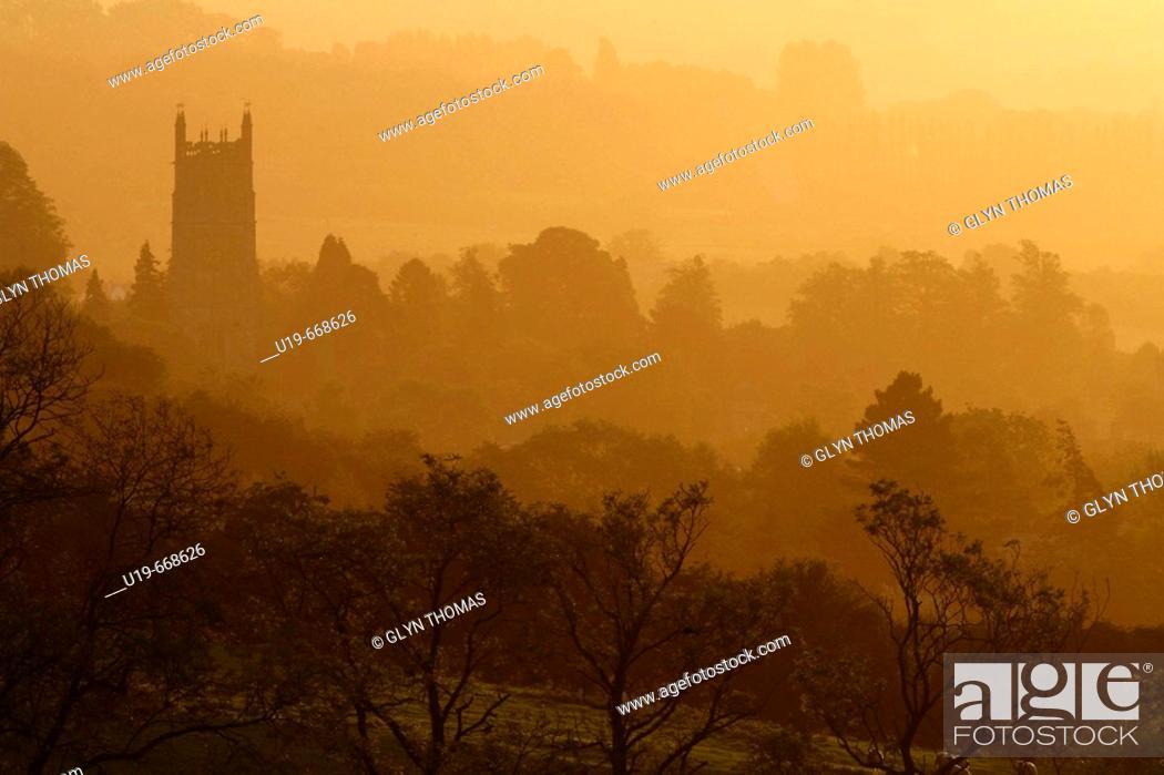Stock Photo: Chipping Campden at sunrise, Gloucestershire, England, UK.