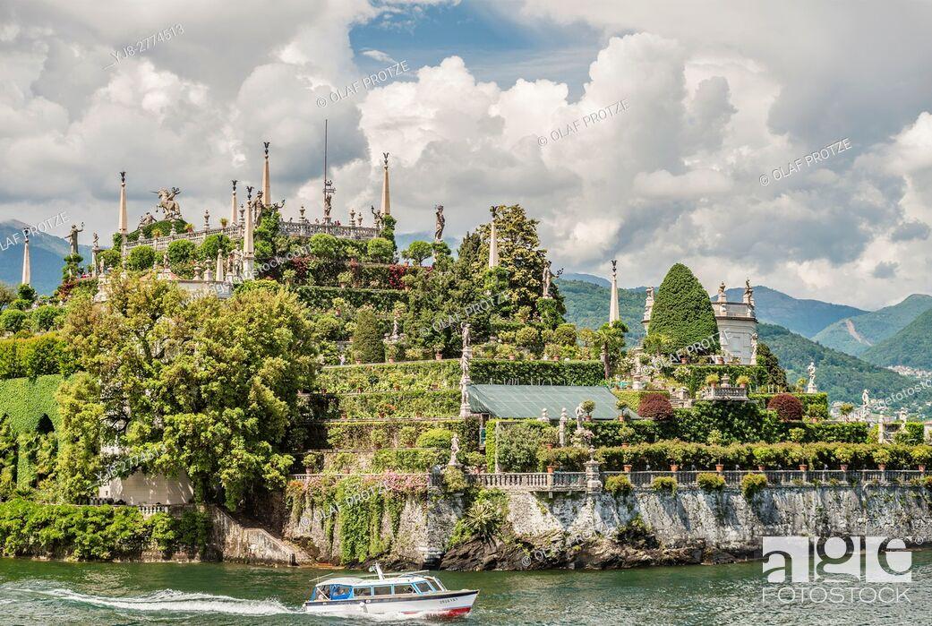 Stock Photo: Terraced garden of Palazzo Borromeo at Isola Bella, Lago Maggiore, seen from the lakeside, Piemont, Italy.