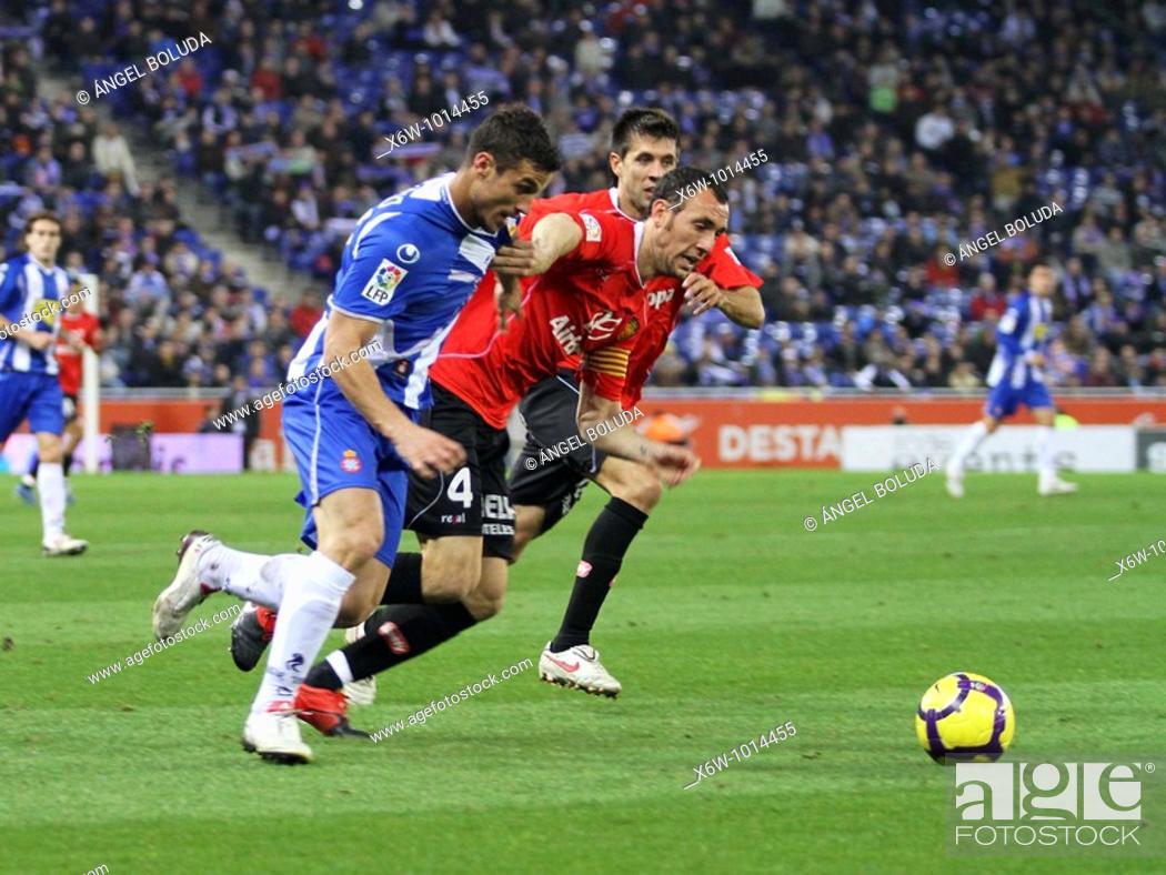 Stock Photo: Cornellá-El Prat Stadium, 24/01/2009, Spanish League, RCD Espanyol vs. Real Mallorca, Victor Ruiz.