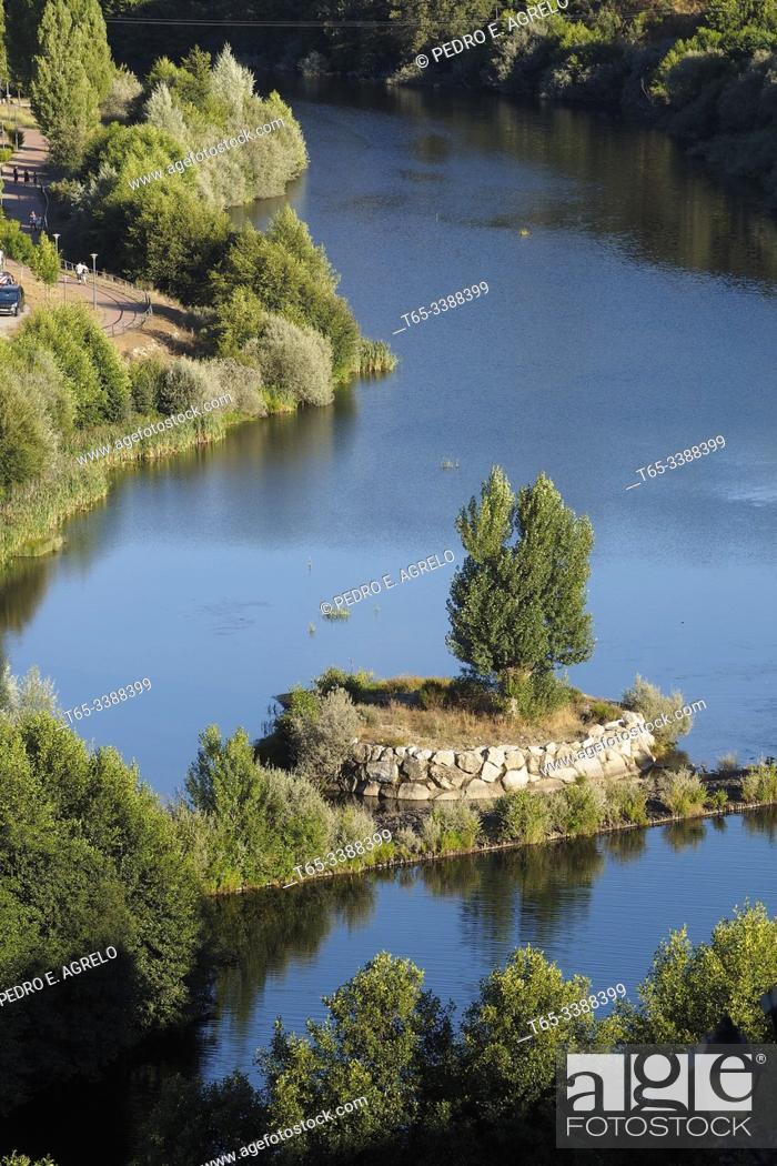 Stock Photo: Spain. Zamora, Puebla de Sanabria. River Tera.
