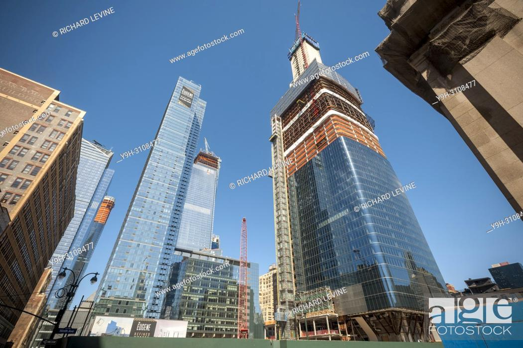 Stock Photo: Construction in and around the Hudson Yards development, including Brookfield Manhattan West, right, in New York on Saturday, March 31, 2018.