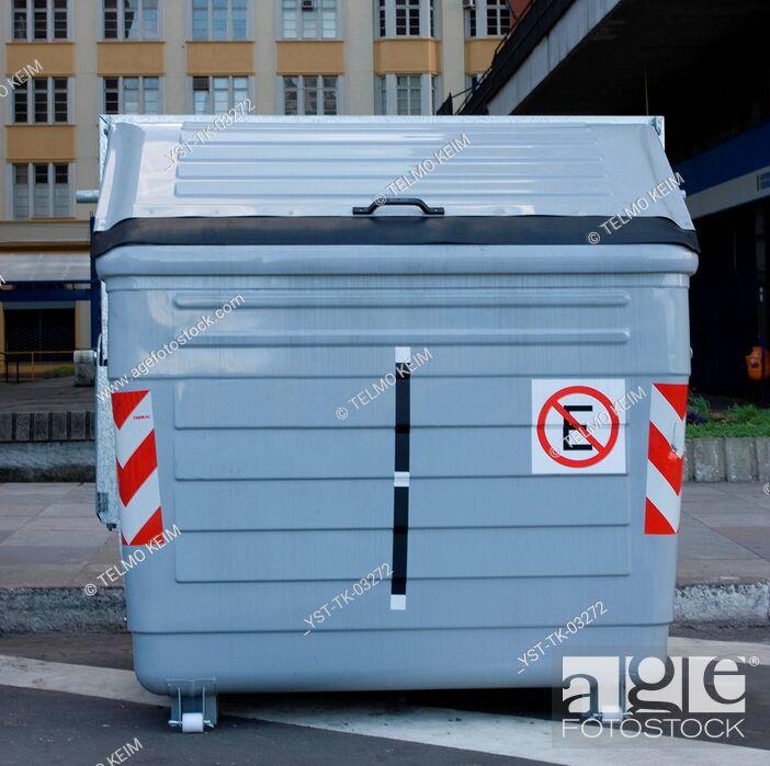 Stock Photo: Trash, trash, recycling, São Paulo, Brazil.