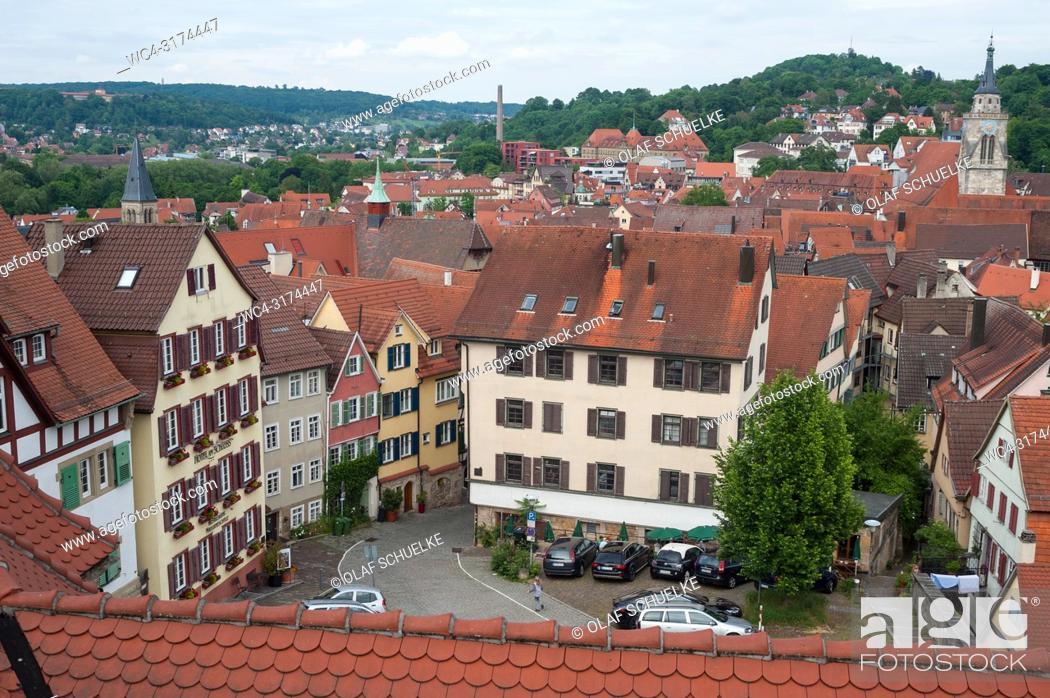 Stock Photo: 05. 06. 2017, Tuebingen, Baden-Wuerttemberg, Germany, Europe - An elevated view of Tuebingen's old town.