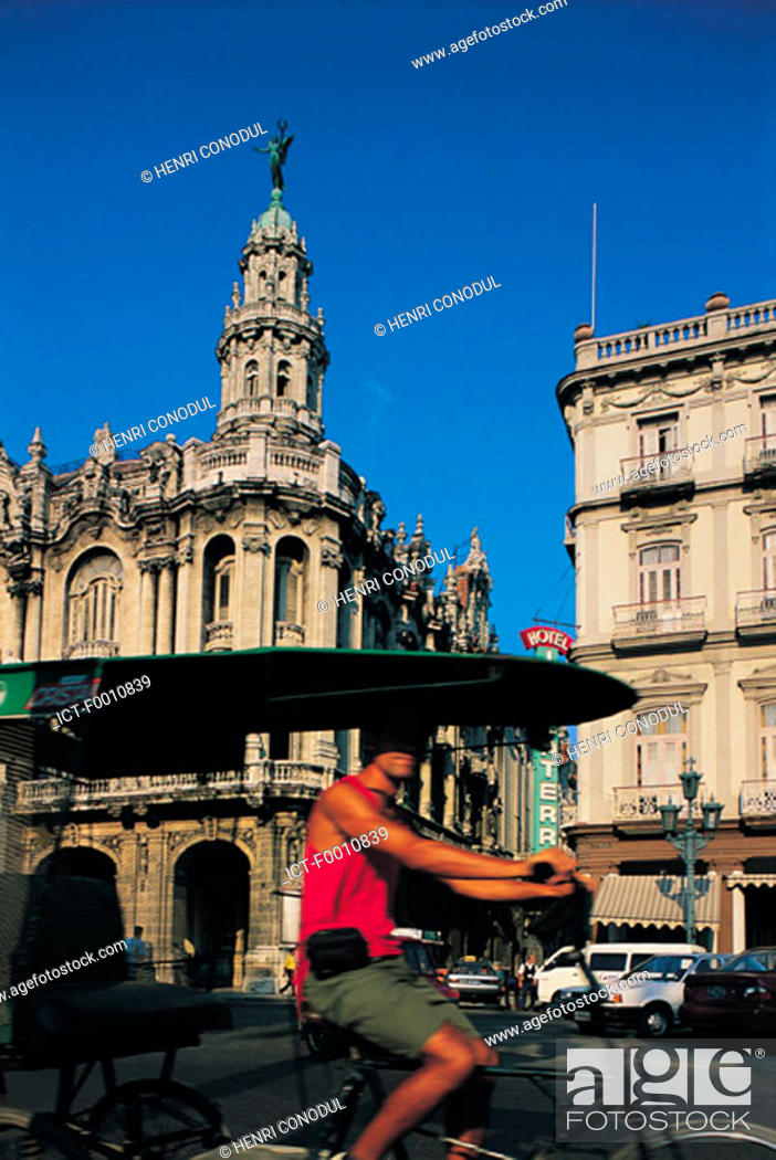 Stock Photo: La Havana, old palace and Opera house.