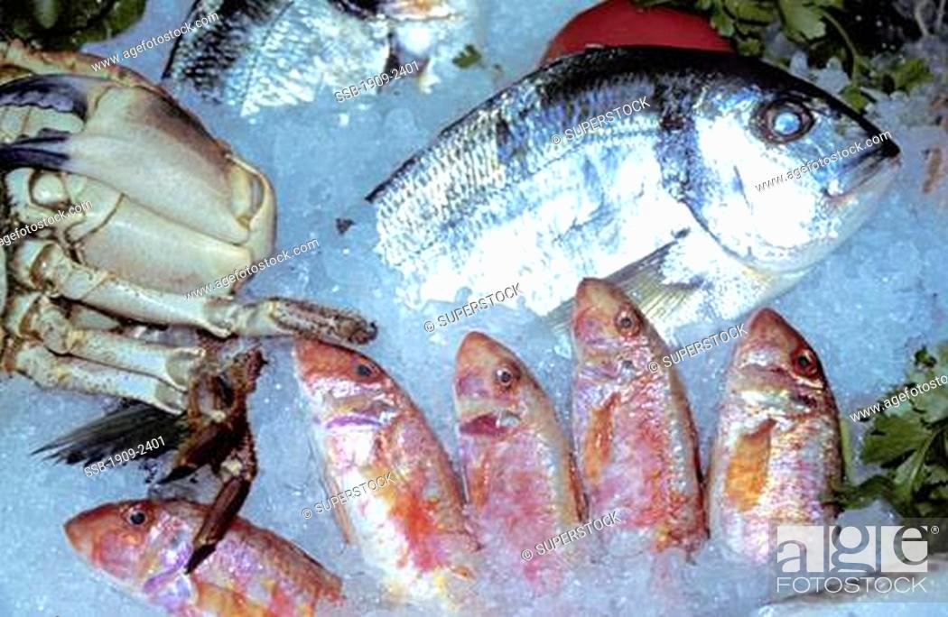 Stock Photo Venice Fish Restaurant With Fresh Crab And On Ice Italy Europe