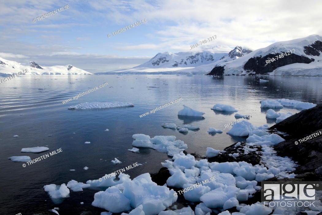 Stock Photo: Glacier, Paradise Bay, Antarctic Peninsula, Antarctica, Polar Regions.