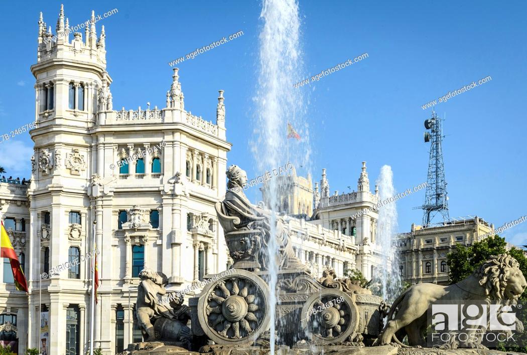 Stock Photo: View of Cibeles sculpture in Cibeles square, Madrid city, Spain.