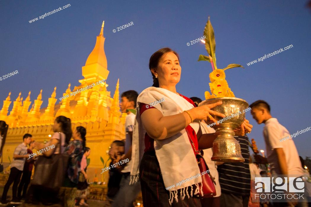 Stock Photo: LAOS VIENTIANE PHA THAT LUANG FESTIVAL.