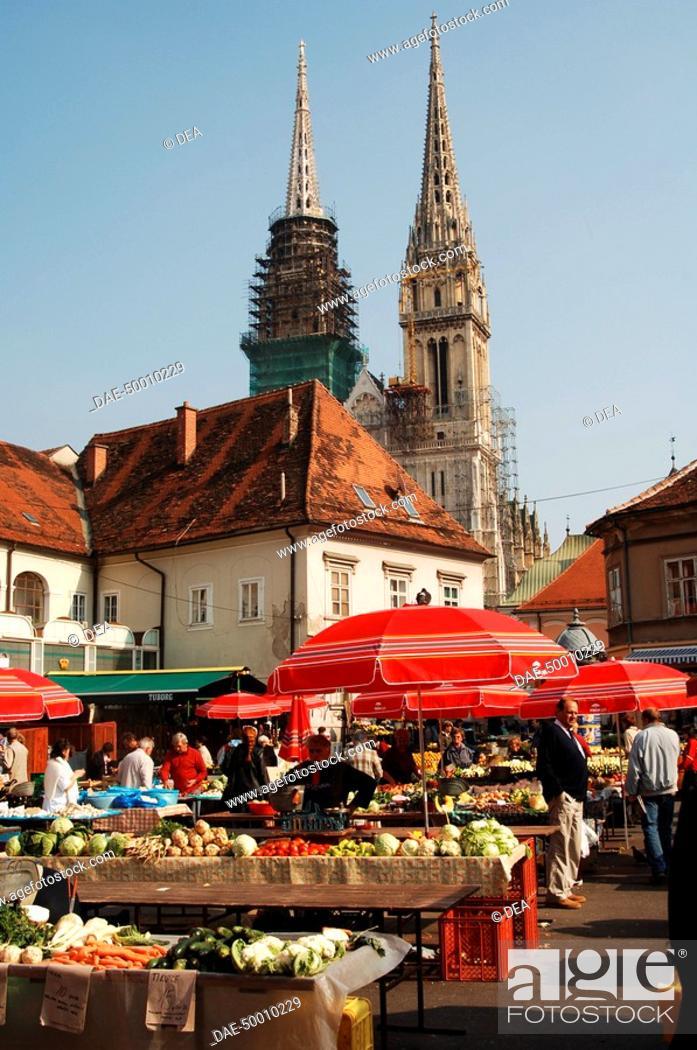 Stock Photo: Croatia - Zagreb. Dolac market.
