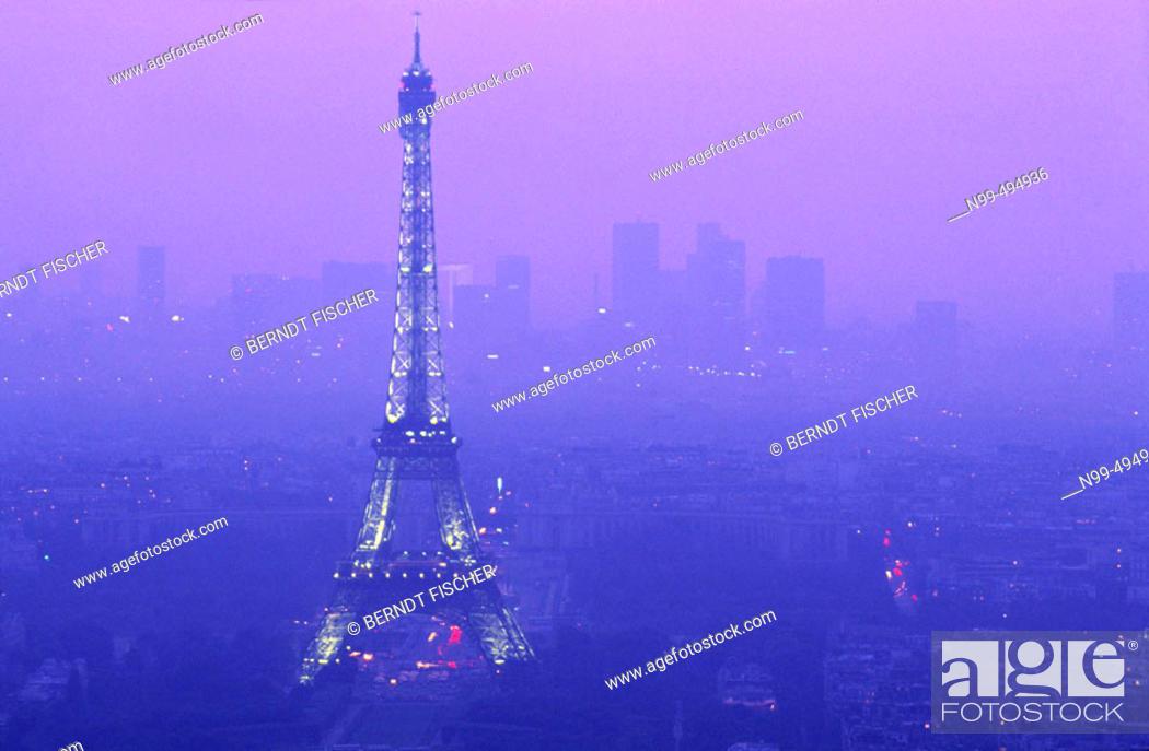 Stock Photo: View from the Montparnasse tower, Eiffel tower, La Défense, Paris. France.