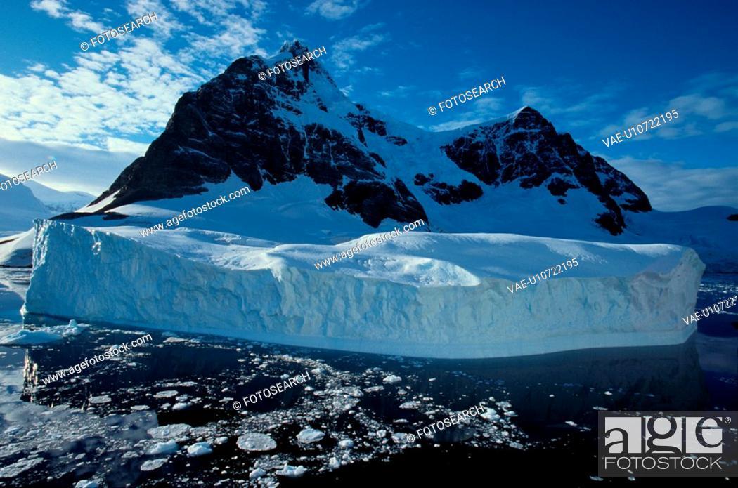 Stock Photo: Iceberg.
