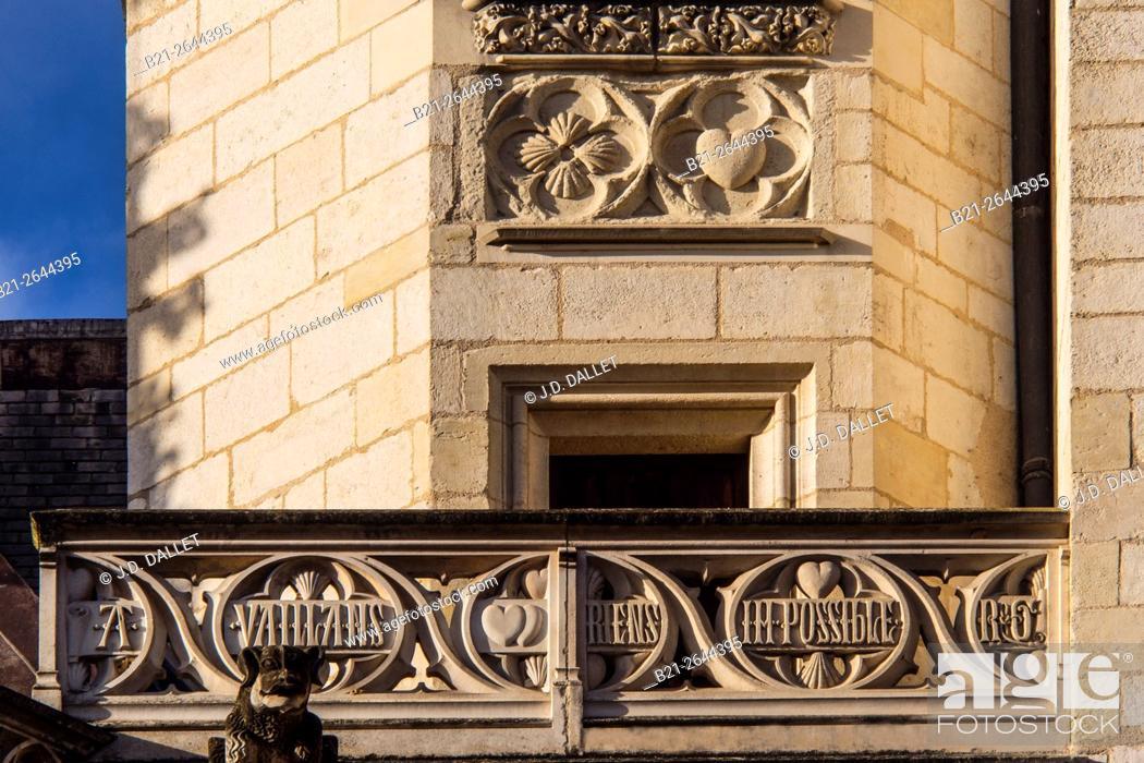 Imagen: 'A vaillants riens impossible' (Jacques Coeur's motto) on the Palace of Jacques Coeur at Bourges, Cher, Centre-Val de Loire, France.