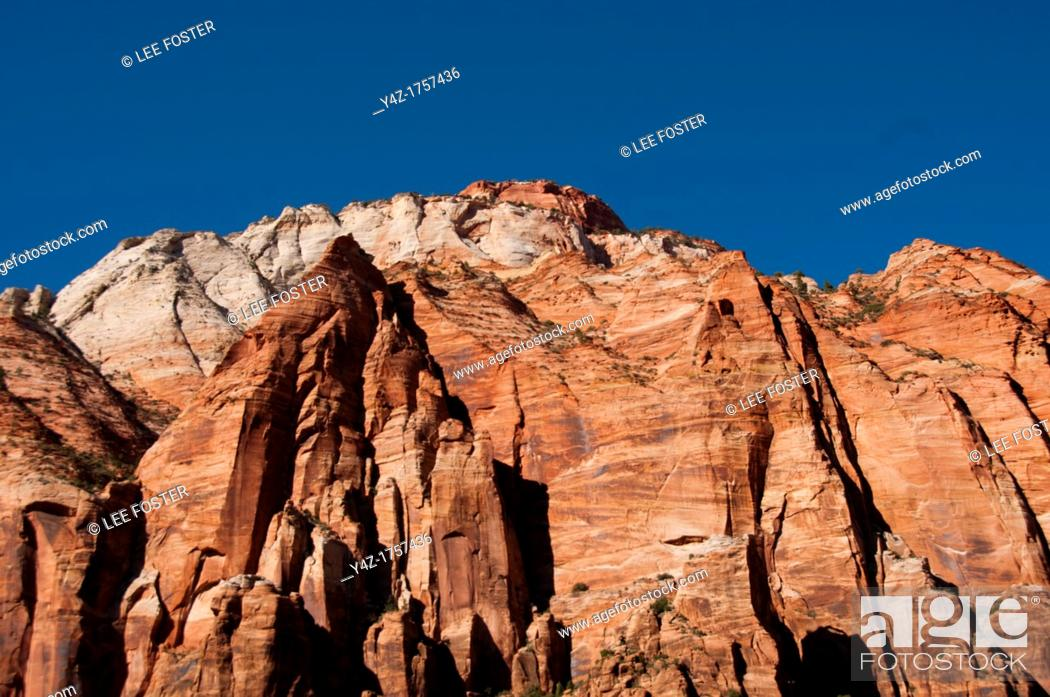 Stock Photo: USA Utah, Great Arch of Zion in Zion National Park.