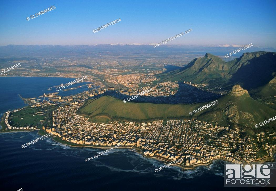 Stock Photo: Clifton Beaches with Lions Head and Table Mountain, Capetown, South Africa.