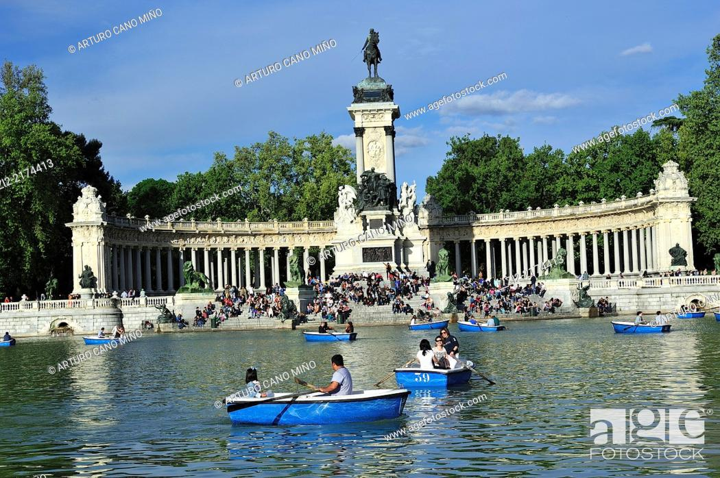 Stock Photo: The Monument to King Alfonso XII and the pond. The Buen Retiro Park, Madrid, Spain.