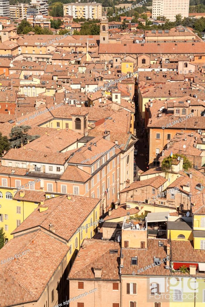 Stock Photo: The historic centre of Modena, Italy.