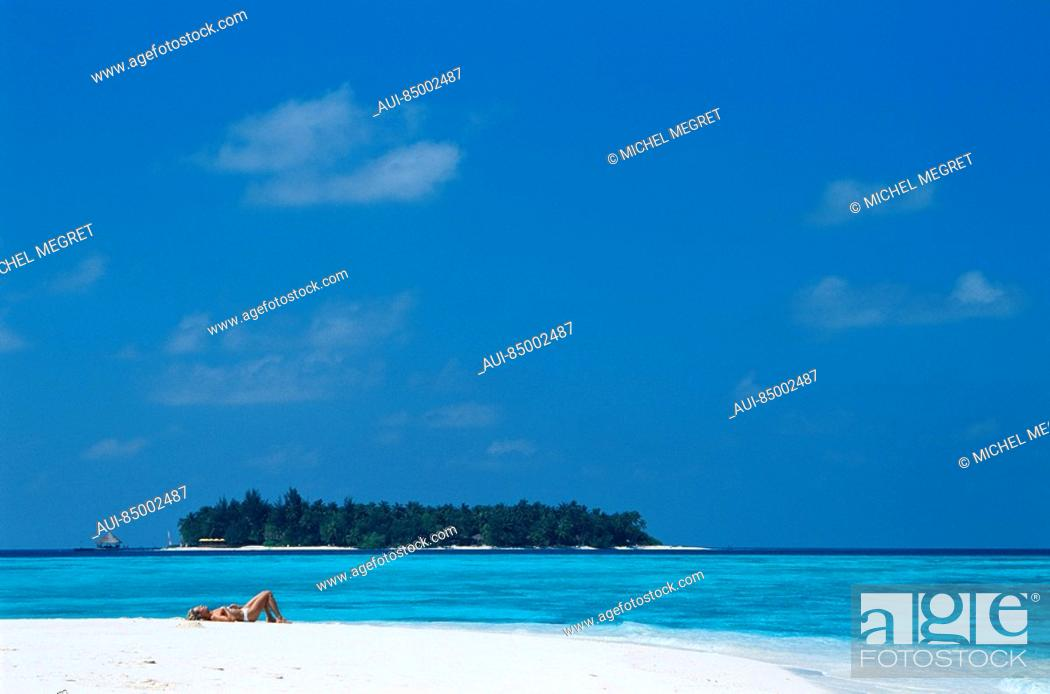 Stock Photo: Maldives - Banyan Tree Resort - Vabbinfaru Island.