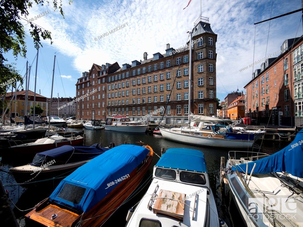 Stock Photo: Modern apartments and boats at Christianshavn harbour area, Copenhagen, Denmark.