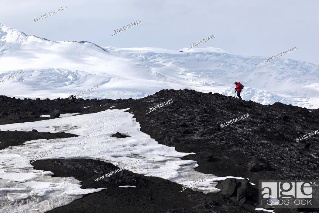 Imagen: landscape in Cape Evans. Ross Sea. Antarctica.
