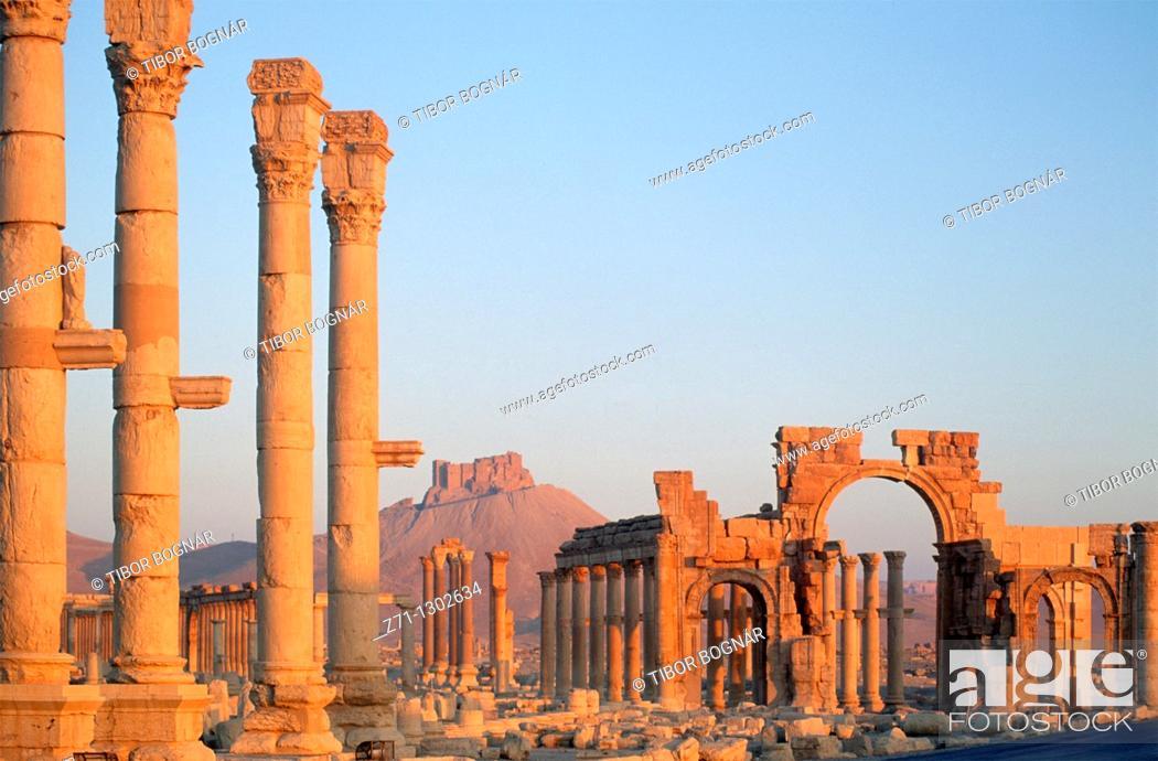 Stock Photo: Syria, Palmyra, Colonnade, Castle, Monumental Arch.