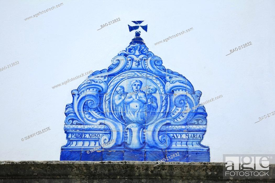 Historic Azulejos Picture A Typical Form Of Portuguese Painted Tin - Racholas-de-bao
