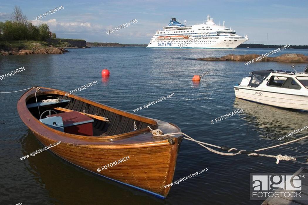 Stock Photo: boat, climate, at sea.