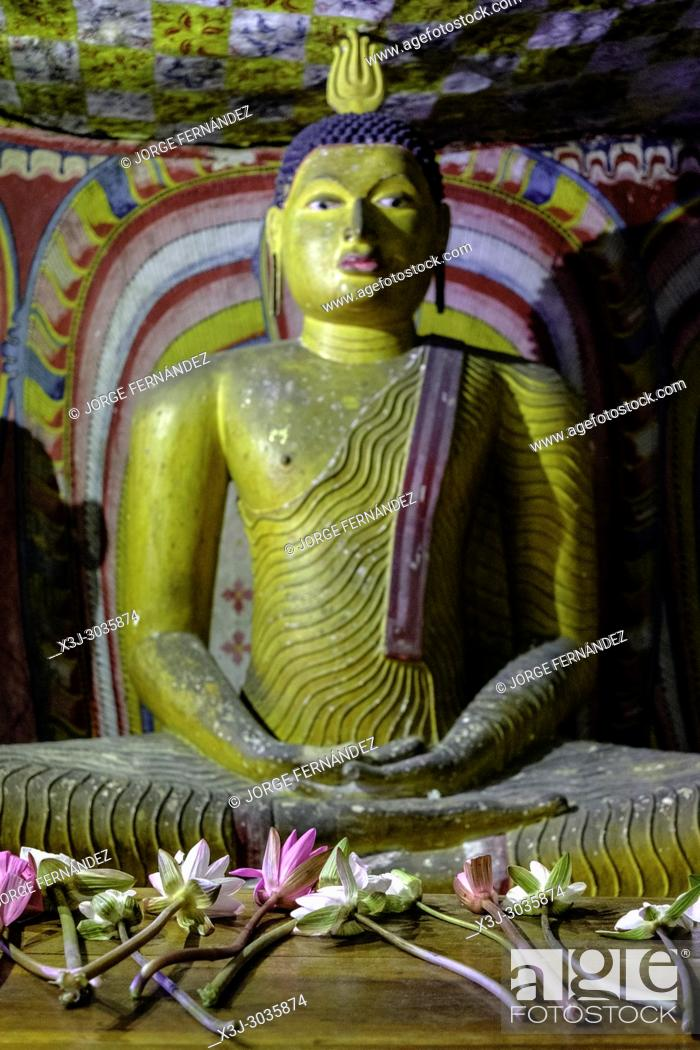 Stock Photo: Statues of Budha at Dambulla caves temple. Sri Lanka.