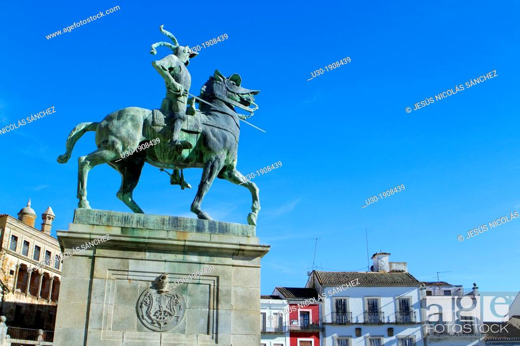 Stock Photo: Equestrian statue of Francisco Pizarro in Main Square of Trujillo  Cáceres  Extremadura  Spain.