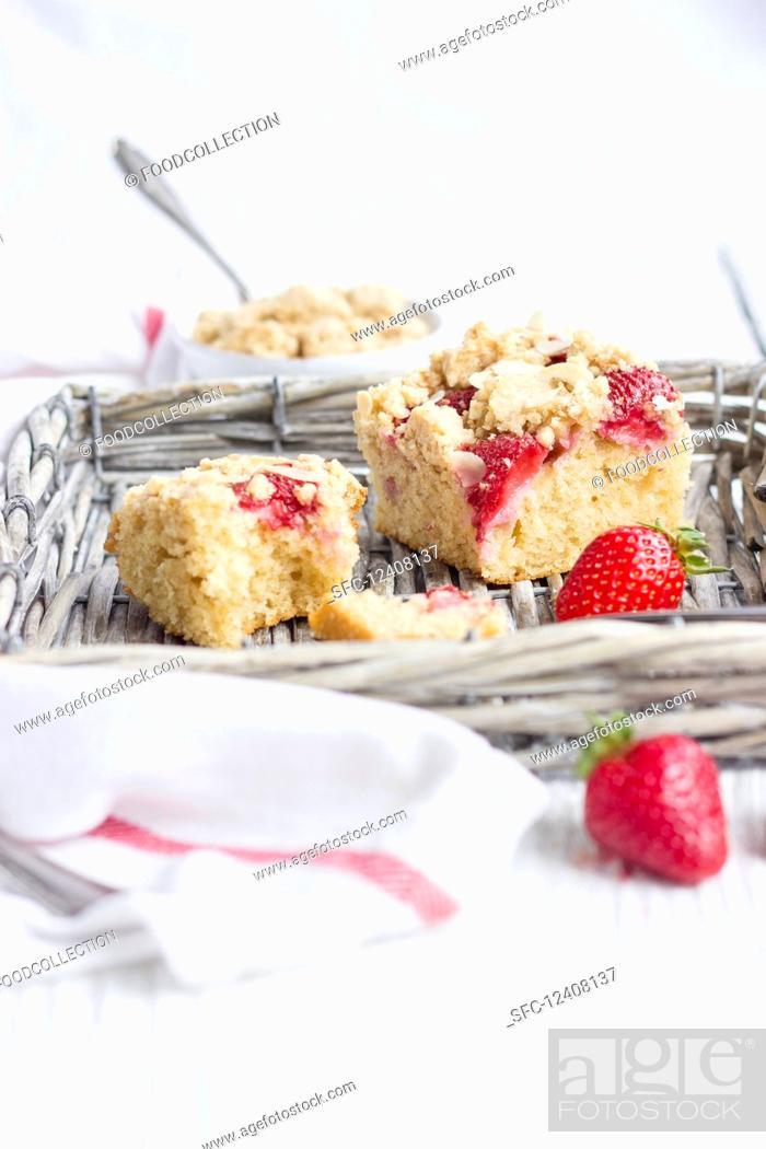 Photo de stock: Strawberry semolina cake.