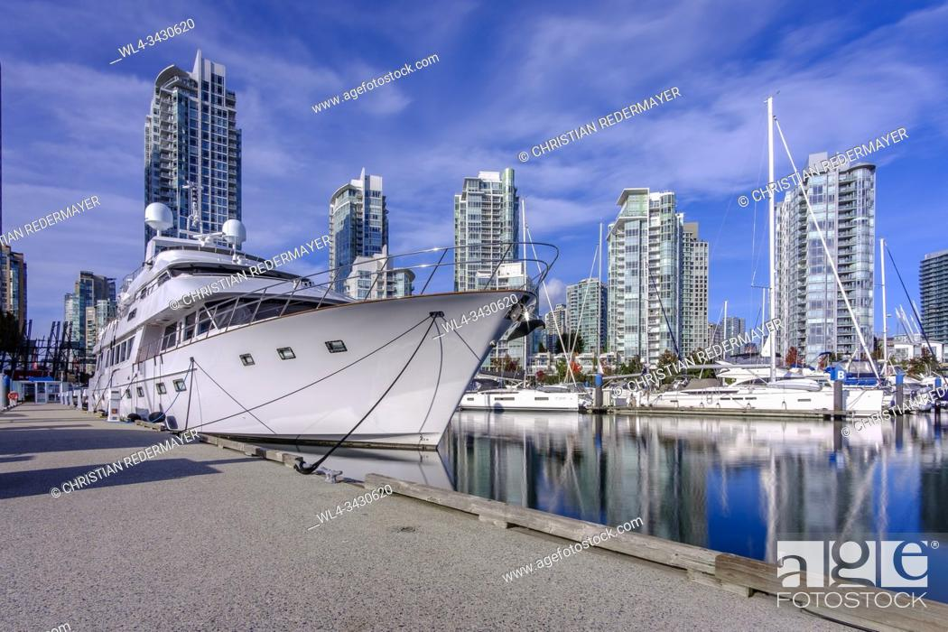 Stock Photo: Yaletown's marina in Vancouver, British Columbia, Canada during a sunny fall day in October 2019.