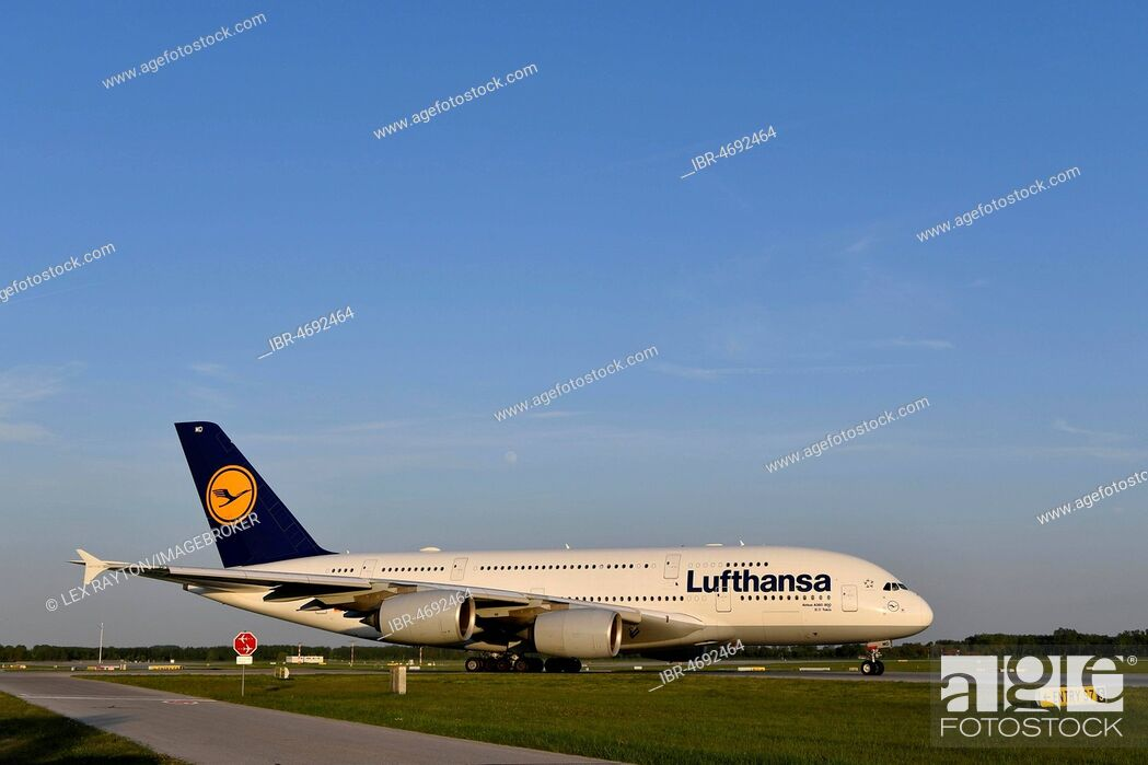 Lufthansa, Airbus, A380-800, taxiway (taxiway) to runway