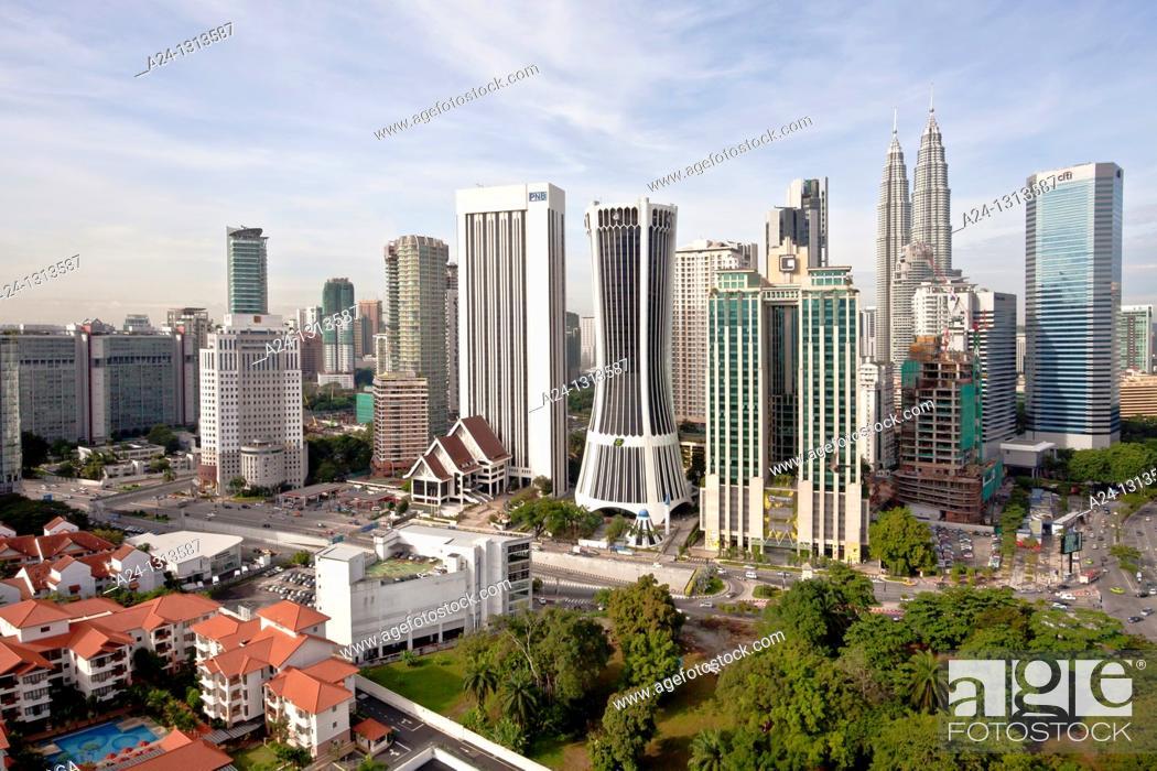 Stock Photo: Malaysia, Kuala Lumpur City, Golden Triangle District, Petronas Towers.