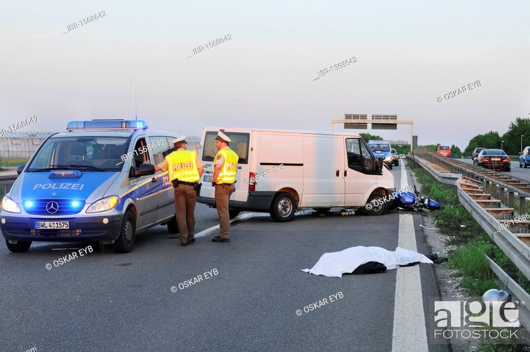 Fatal motorcycle accident on road B 27, police securing
