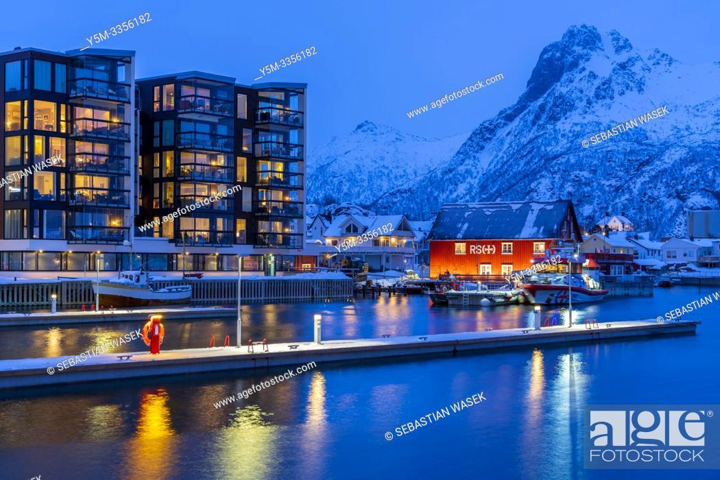 Photo de stock: The harbour of Svolvaer, Austvagoya, Lofoten, Nordland, Norway, Europe.