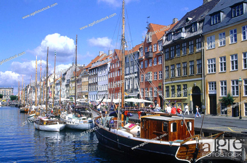 Stock Photo: Denmark, Copenhagen, Nyhavn harbour.